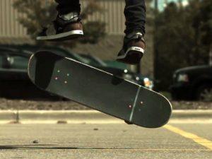 基本からジャンプまでスケボーの全技一覧 【スケートボード】