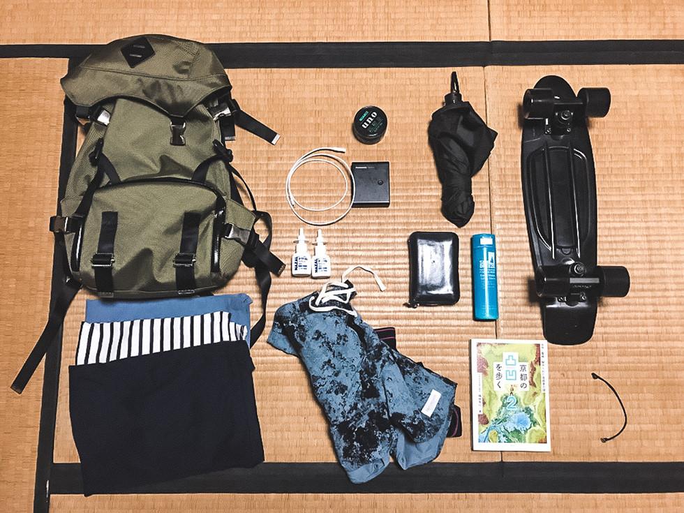 RESKYクルーの1泊2日の国内旅行での持ち物