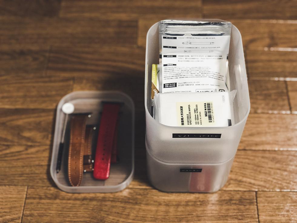 日用品などを100均収納ケースで整理1