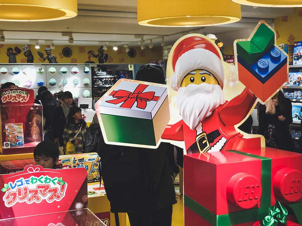 クリスマス仕様のLEGOストア梅田