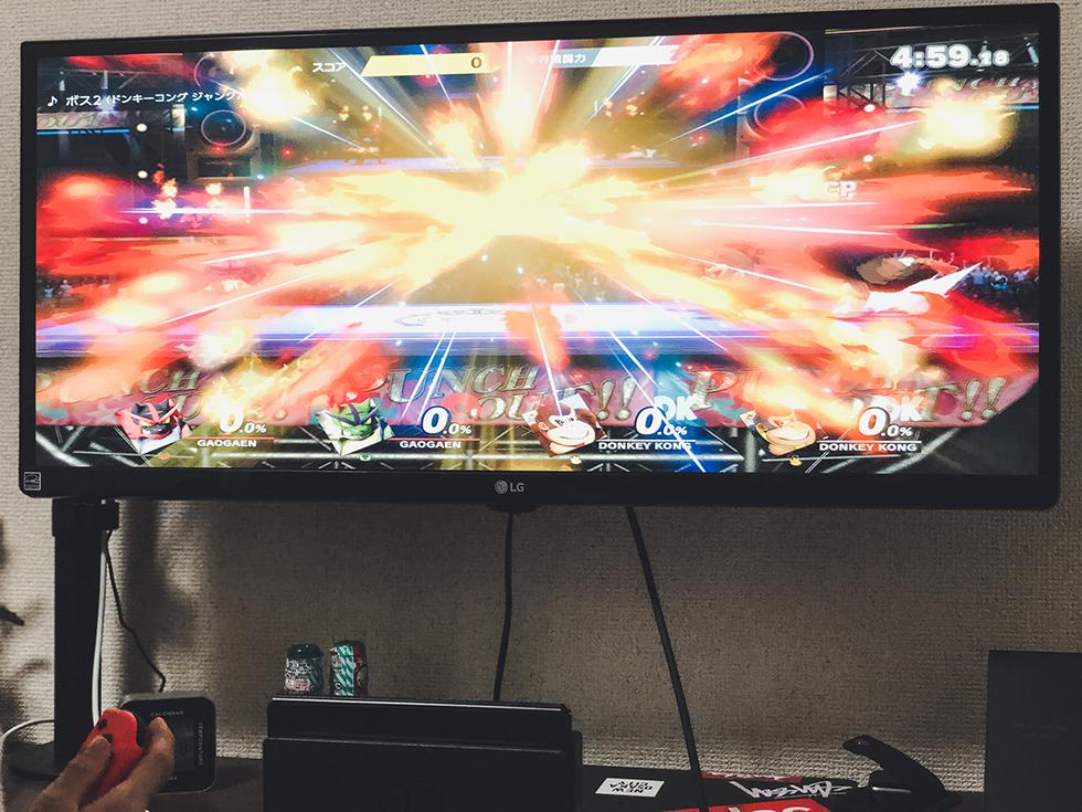 LG ウルトラワイドモニター29インチでスマブラSPを遊んでいるところ