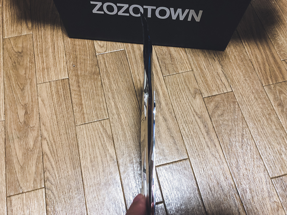 ZOZOHEAT(ゾゾヒート)の薄い圧縮されたパッケージ