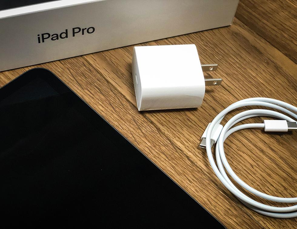 iPad Pro 2018 11インチモデルの付属品