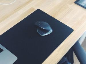 【大きいマウスパッド】デスクマット兼用で使えるエレコムのでか過ぎるマウスパッドをレビュー