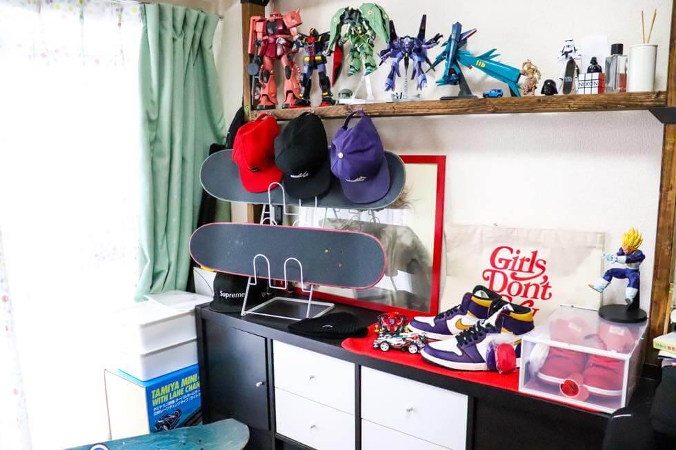 お気に入りの趣味のモノを集めた男の部屋