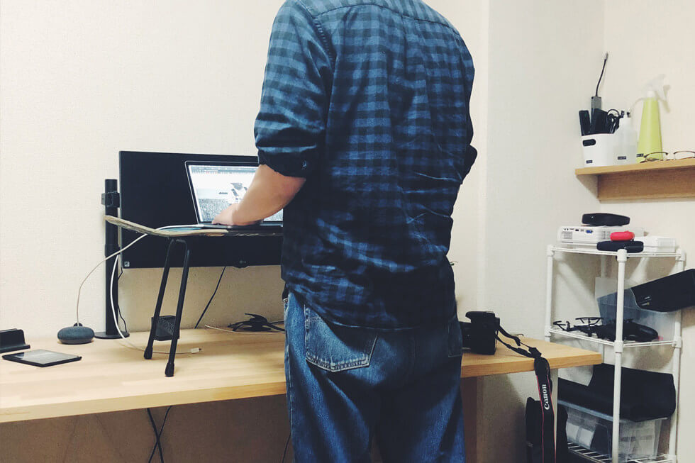 『スタンディングデスクとステッパーが欲しい』立ったままで足踏みして脳の回転を早めて作業効率をあげたい【DaiGo さんもおすすめ】