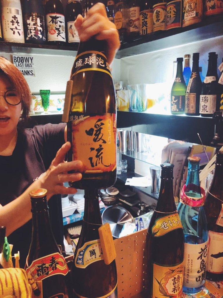 裏難波の立ち飲み「酒家はなはな」でおすすめの琉球泡盛
