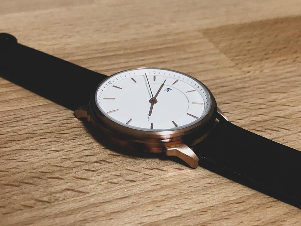 シンプルで美しいストックホルム生まれのおしゃれなメンズ腕時計