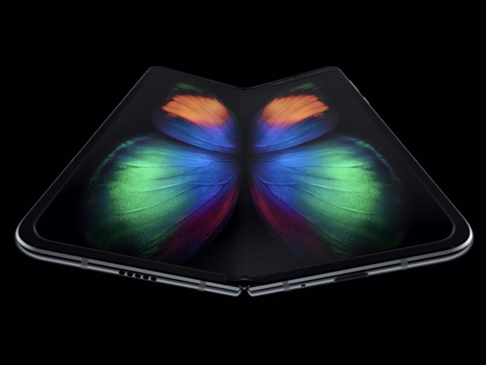 【折りたたみスマホ】Galaxy Fold が一足先に日本上陸! Surface Duo など他の機種は何があるの?