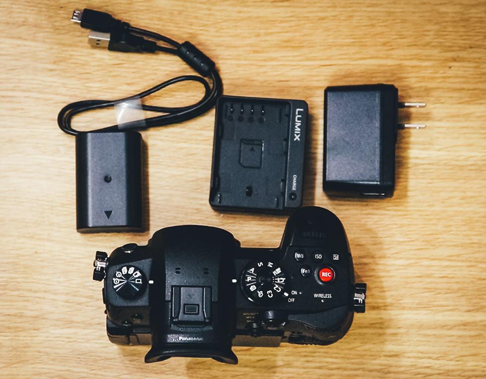 パナソニック ミラーレスカメラ ルミックス GH5S ボディ ブラック DC-GH5S-Kの中身