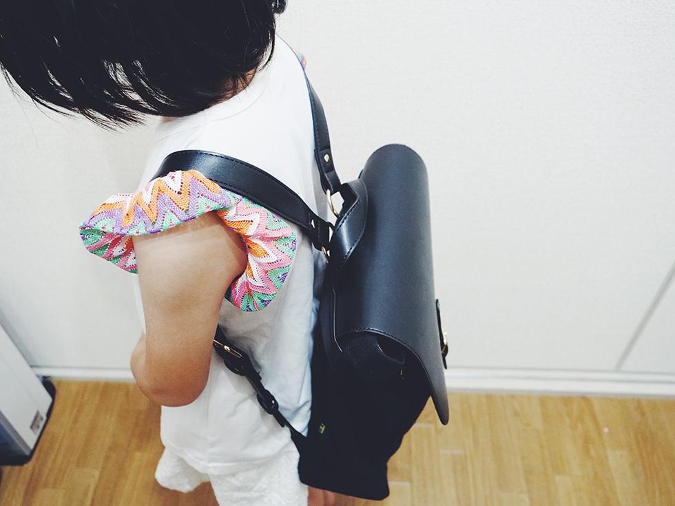 小学生女の子おしゃれバッグブランド Gaston Luga(ガストン・ルーガ)リュックを背負った所を上からみたところ