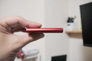 Samsung 外付けSSD 超小型 T5の薄さ