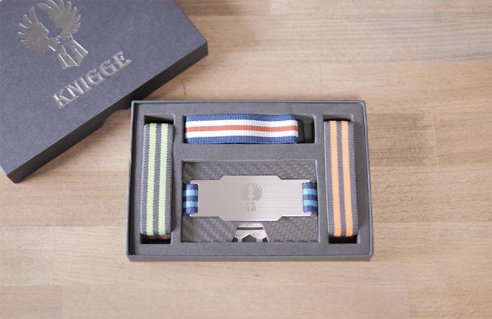 カード型タイプのキャッシュレス財布 KNIGGE を開封したところ