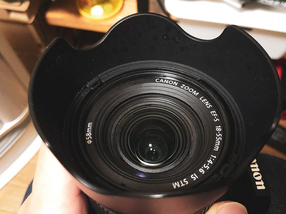 レンズペン3で汚れを拭き取ったカメラレンズ