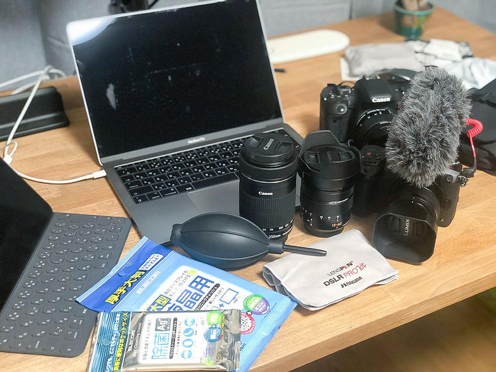 掃除をするカメラやパソコン