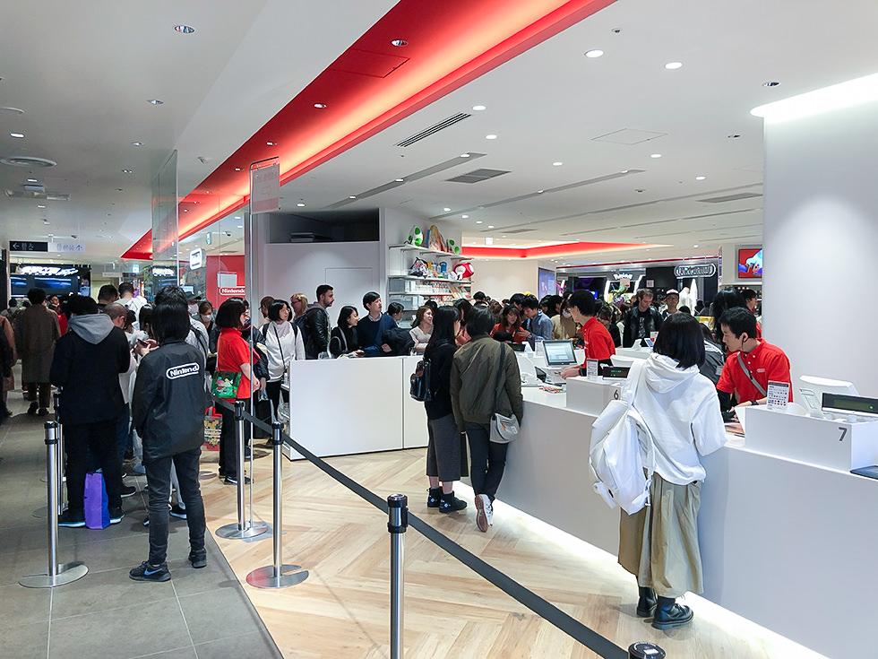 Nintendo TOKYOの平日の混み具合