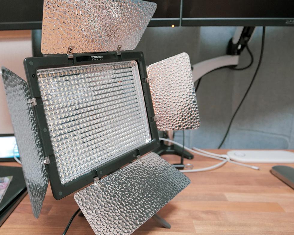 YouTube撮影に使っているLED照明ライト