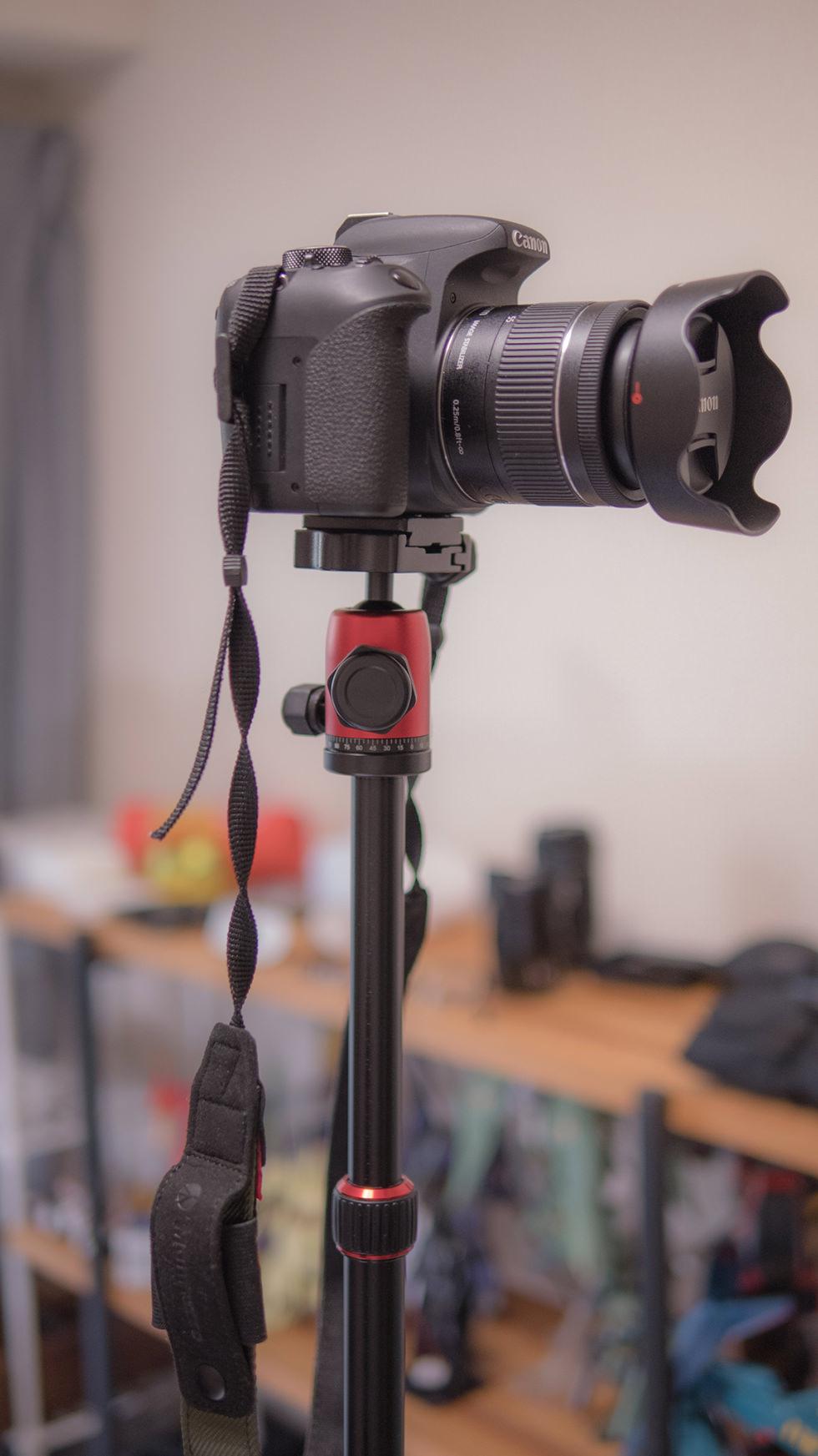 カメラを好みの高さに調節できるマンフロットの三脚